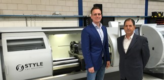 Style directeur Bastiaan Clement en Eli Peled, directeur van InterTool, de nieuwe dealer in Israël.