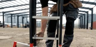 Verstelbare ladder voor scheve ondergrond