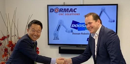 doosan-robotics-ondertekening-contract