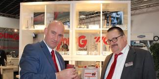 René van Ommen (links) en Gerard Hofman hebben YounG cuttingtools opgebouwd op het importeurschap van YG-1, een van de grootste producenten ter wereld van boren, tappen en frezen. Ze leveren nu een totaalpakket aan verspanende gereedschappen.
