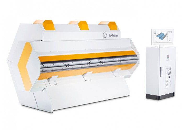 Met een buiglengte van 3200 mm bij 1,5 mm plaatdikte maakt de XL-Center automatisch opvolgende op- en neergaande zettingen in plaatmateriaal met minimale plaathandling.