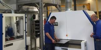 Na de goede resultaten van de Fierde 200 XL (links), die specifiek voor kleinere onderdelen is ontwikkeld, is Benier Nederland direct doorgestart naar de F1200 voor de grotere onderdelen.