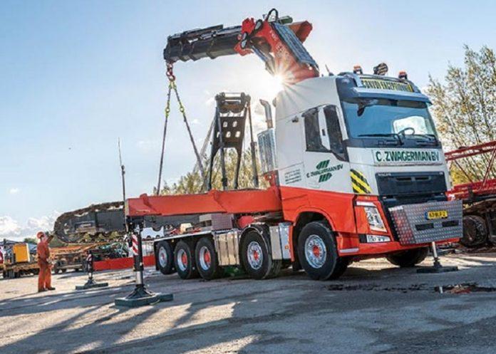 Zwaartransport truck voor Zwagerman Transport & Hijswerk