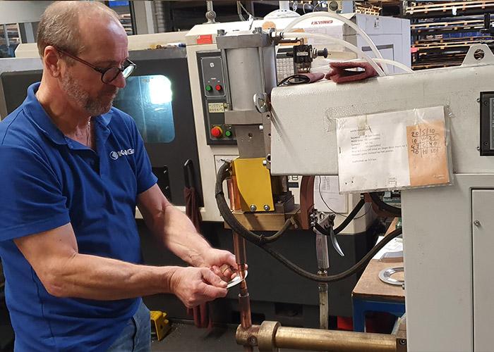 Klinger puntlast al sinds mensenheugenis. Enkele jaren geleden is geïnvesteerd in een nieuwe machine van Laskar Puntlastechniek. Daarmee is een kwaliteitsslag gemaakt.