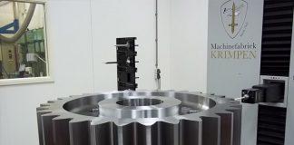 Een tandwiel op een meetmachine.