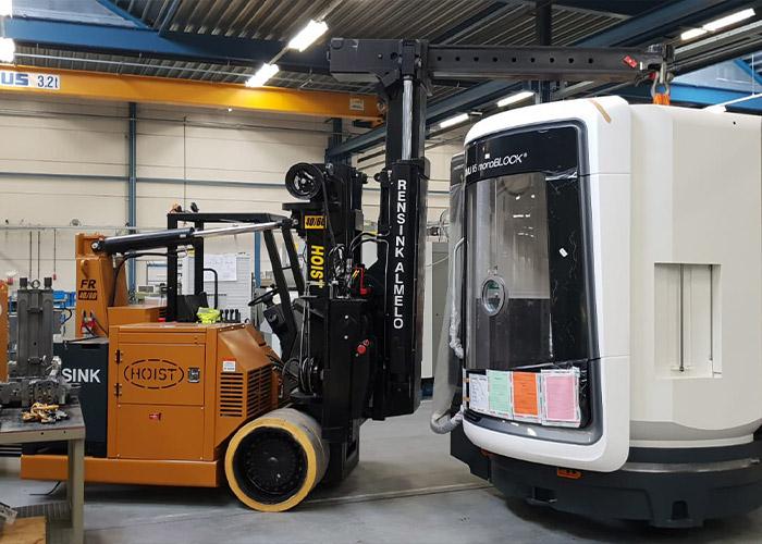 Bij het op hun plek zetten van machines is het belangrijk de voorschriften van de fabrikant in acht te nemen, goed materiaal te gebruiken en mensen met kennis en ervaring in te schakelen.