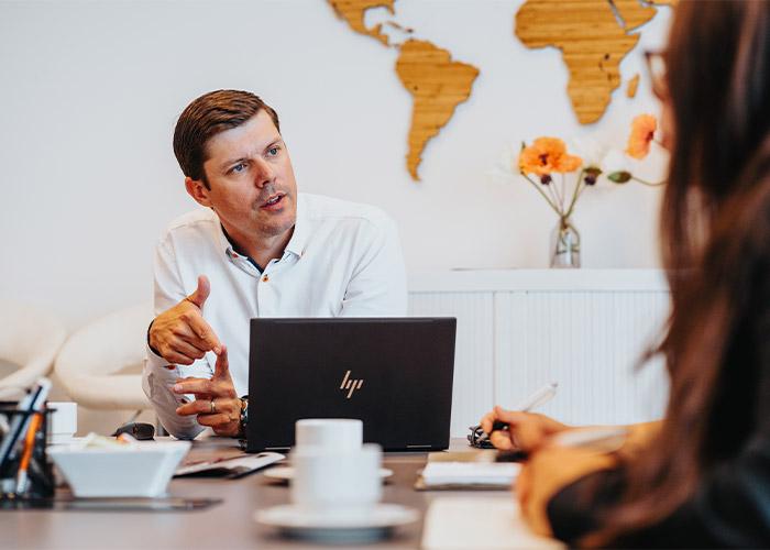 """Directeur Bruno de Bock van Saw-Tech: """"Ik verwacht dat de markt wel nieuwsgierig zal zijn naar de zaagbanden van RI.F. STAHL."""