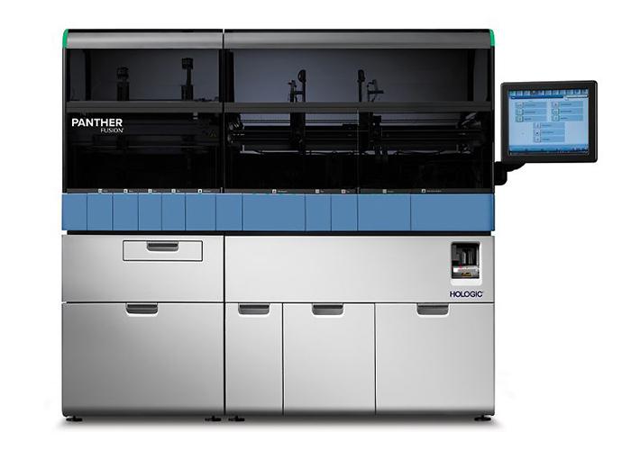 Het Panther Fusion systeem wordt gebruikt in laboratoria voor alle belangrijke PCR-testen voor het Covid-19 virus.