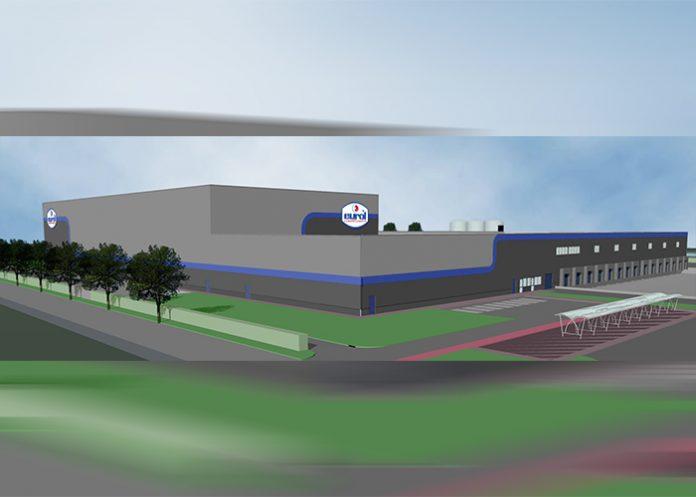 Het logistieke centrum krijgt een totaal vloeroppervlak van ruim 12.500 vierkante meter, dat plaats biedt aan 15.000 pallets.