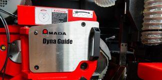 De Amada-innovatie Dyna Guide is een extra geleiding op het midden van het zaagblad, waardoor trillingen tijdens het zagen nog meer worden gereduceerd.