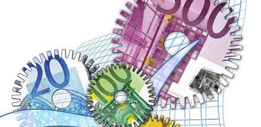 Het kabinet kondigt de voorgenomen garantiestelling nu al aan om de toenemende druk op kredietverzekeraars en bedrijven te verlichten