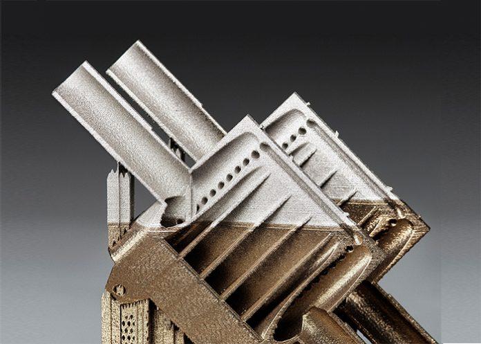 De opengewerkte warmtewisselaar is geprint met poeder van roestvast staal (SS 316) en een nikkel superlegering (Inconel 718).