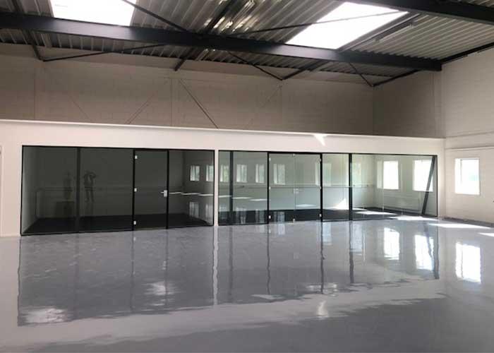 Tuwi krijgt in Moerdijk de beschikking over kantoorruimte, spreekruimte en een grote showroom van 500 vierkante meter.