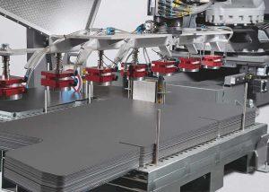 De grijperwisselaar en gereedschapswisselaar of de materiaalopslageenheid en het gereedschapsmagazijn kunnen op een later tijdstip worden geïntegreerd.