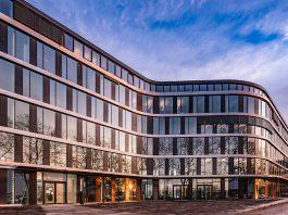 Het hoofdkantoor van Surplex in Düsseldorf.