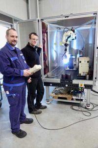 Het Easy ARC lasrobotstation van OTC bij Rodeike kan gemakkelijk en vol vertrouwen worden bediend.