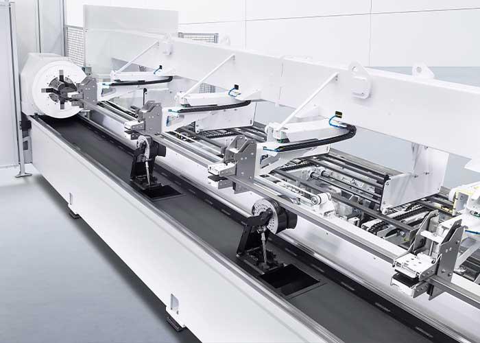 Dankzij de optionele beladingsautomatisering LoadMaster Tube kunnen ook grote series economisch op de machine worden bewerkt.