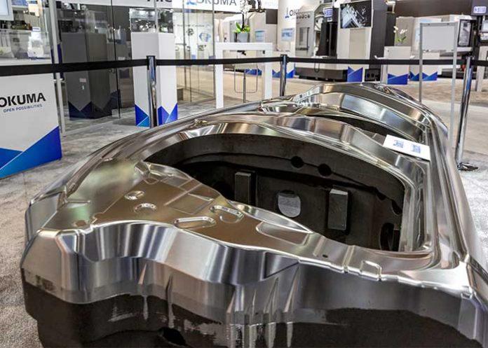 Een matrijs voor de automotive, bewerkt op een hightech werktuigmachine van Okuma.