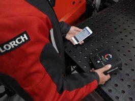 Door via de smartphone de productierelevante gegevens op te roepen heeft de gebruiker altijd en overal een goed overzicht van de productiviteit van alle verbonden lasapparaten.