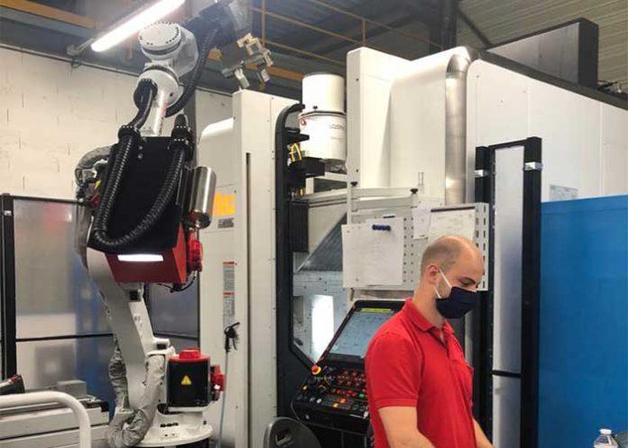 De productie bij RoboJob is begin april weer opgestart en de installateurs zijn ook weer aan het werk, net als alle andere teams.