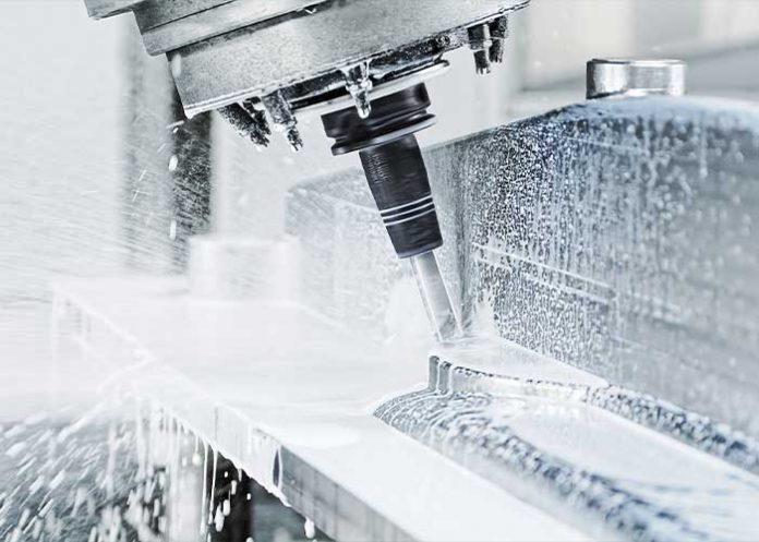 Door de cool-flow technologie wordt de koelmiddelstraal rechtstreeks naar het gereedschap geleid via de slanke precisie-gereedschapshouder.