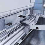 De Bendmaster kan automatisch worden uitgerust met verschillende grijpers, waarmee tot 4 meter lange platen van een stapel naar de machine kunnen worden getransporteerd.