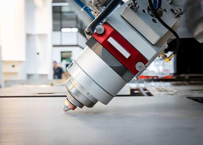 Cutlite Penta heeft een eigen fiberlaserkop ontwikkeld, die geschikt (gecertificeerd) is voor het snijden met 20 kW.