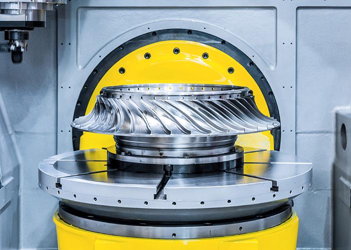 Schone machines en werkstukken dankzij het goede spoelgedrag van rhenus TU 43 P. (Foto: Adobe Stock, Nordroden)
