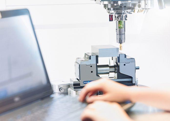 De intelligente iTENDO gereedschapshouder maakt real-time procesbewaking en controle rechtstreeks op het werkstuk mogelijk.