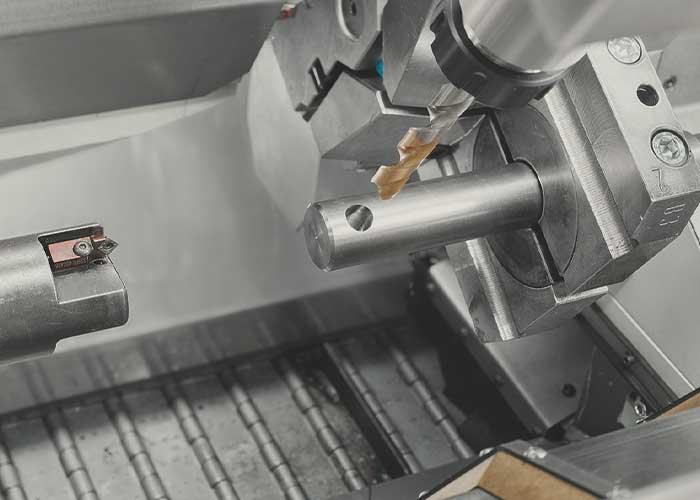 De EM80 is een hoogproductieve combimachine voor de productie van grote series.