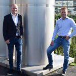 Teun van Leeuwen (l) en Martijn van Schie zien dat een uitgebreid service-aanbod de drempel wegneemt om via een (online) veiling industriële machines te verkopen of te kopen