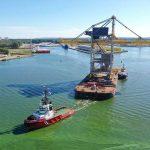 Het transport van de nieuwe loskraan naar Tata Steel in IJmuiden (Foto: Trend Project Poland, Bartosz Bartoszewski).