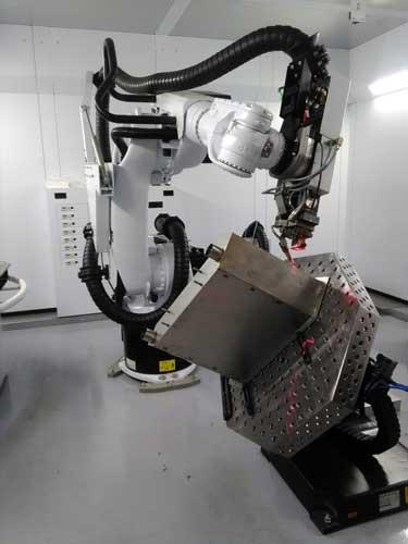 Dankzij de robot kan NTS Hermus ook vrije contouren eenvoudig lassen.