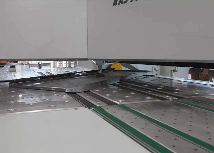 Alle vier zijden worden op het Multibend-Center automatisch gebogen.