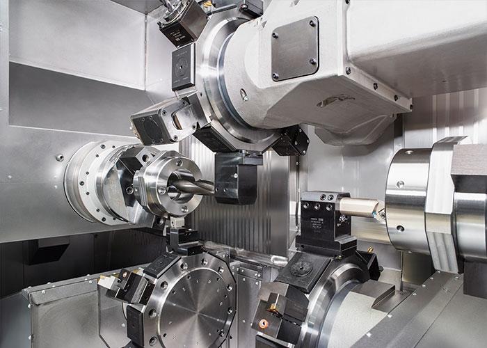 Het G400 draai-freescentrum is ontwikkeld voor het compleetbewerken van onderdelen tot 2.300 mm lang.