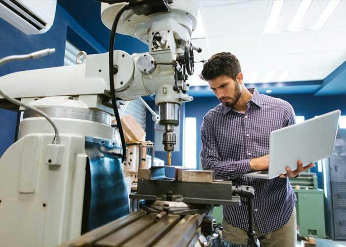 Het kabinet gaat samen met het bedrijfsleven en kennisinstellingen gericht in zetten op groei van de Nederlandse (maak)industrie.