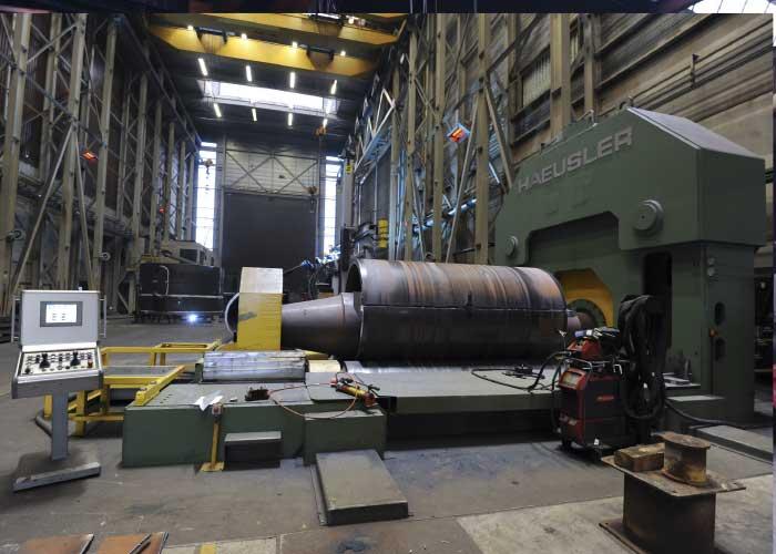 Breman zet bij de projecten voor de offshore, olie & gas, lucht- en ruimtevaart, kranenbouw en offshore windenergie grote, zware machines in, waarbij veel aankomt op het vakmanschap en de kennis van de medewerkers.
