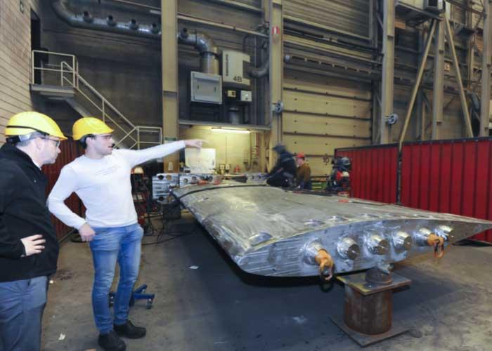 Breman is producent van vaak complexe onderdelen met extreme gewichten en grote afmetingen. Vaak komen deze onderdelen tot stand middels een combinatie van machinale bewerkingen en buig- en walswerk.