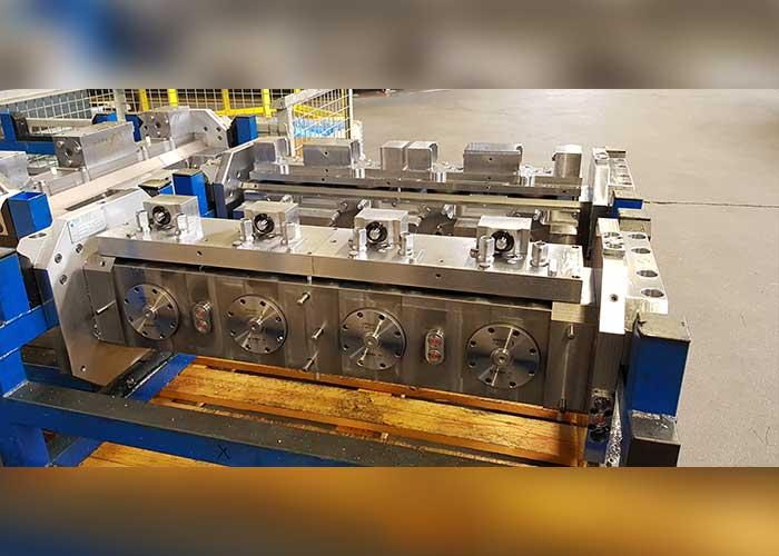 Brinks Metaalbewerking produceert onder meer ventielblokken. Hiervoor worden modulaire mallen gebruikt.