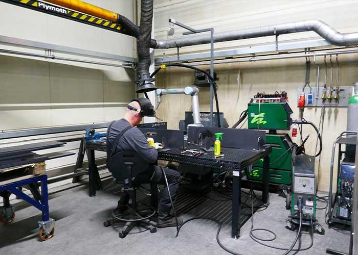 Arendsen Plaatwerk is echt aan het pionieren met de lascobot. Hij is gebruiksvriendelijk qua instellen en levert een constante kwaliteit.