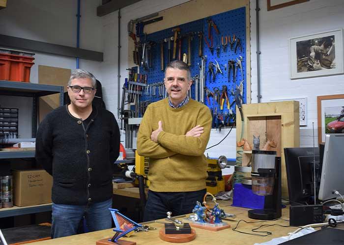 Michael (l) en Olaf Koch zetten hun expertise in om maakbedrijven te adviseren slimmer en efficiënter te gaan werken.