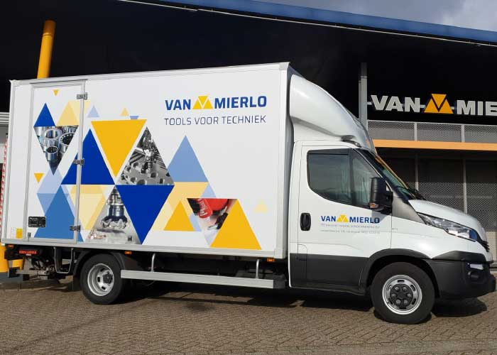 """Leveringen 'Just in Time' zijn voor Van Mierlo standaard en geen uitzondering. """"Met goed advies en snelle levering wordt stilstand voorkomen en dat is wat onze klanten willen."""""""