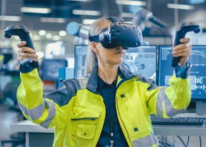 Met Virtual Reality kunnen situaties in de fabriek levensecht worden nagespeeld. De deelnemers worden uitgedaagd om in een virtuele realiteit werkzaamheden uit te voeren.