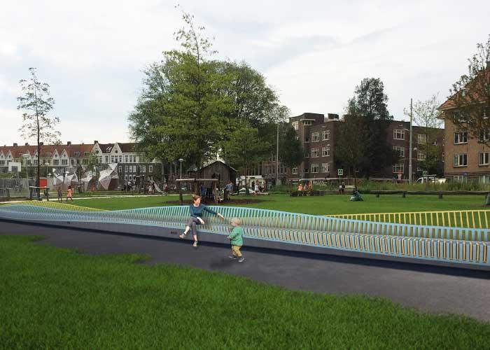 Alle stalen elementen voor de golvende bank van gepoedercoat staal in Amsterdam zijn geëngineerd en worden geproduceerd door De Wilde Metaal. (Foto Studio Wessels Boer)