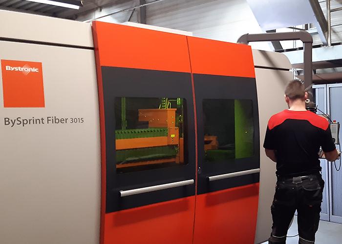 De vestiging in Arkel telt twee lasersnijmachines van Bystronic, waaronder een BySprint Fiber 3015. Vanuit Arkel wordt van oudsher de machinebouw voor de foodindustrie, agrotechniek, scheepsbouw en offshore bediend.