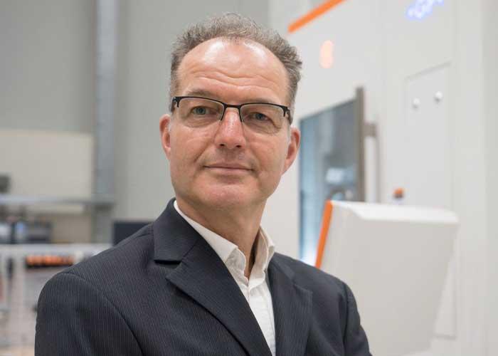 Eric de Hoog zet de Mikron freesmachines van GF Machining Solutions verder op de kaart