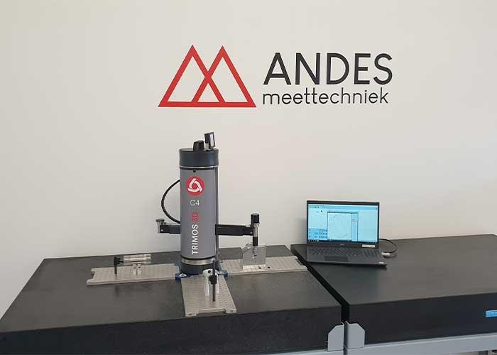 De draagbare C-Line CNC-coördinatenmeetmachine van Trimos brengt flexibiliteit in het meetproces