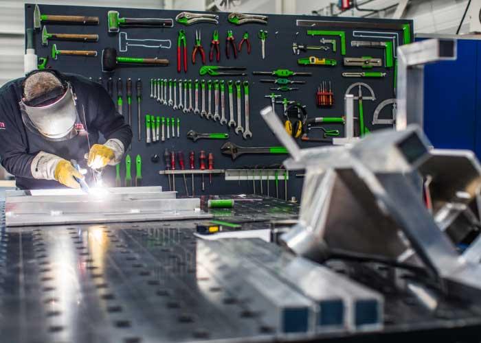 MCM produceert onder andere aluminium constructies.