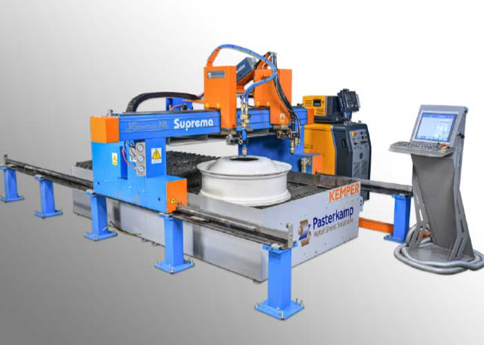 Bij de plasmasnijmachine SUPREMA worden de geleidingen los van de snijtafel opgesteld.