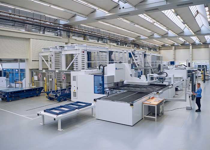 Plaatbewerkers die de efficiency in hun productiefabrieken willen verbeteren, kunnen hiervoor ideeën opdoen tijdens een virtuele rondgang door de Smart Factory.
